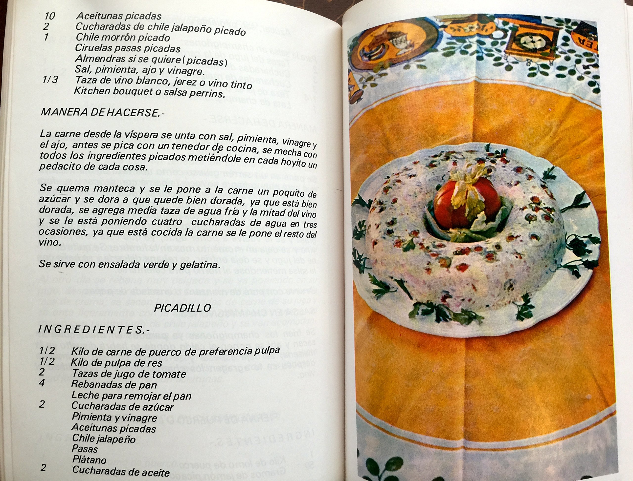 La Cocina de Mama Licha ... y sus Secretos : recetario: Alicia Echavarría de Escobosa: Amazon.com: Books