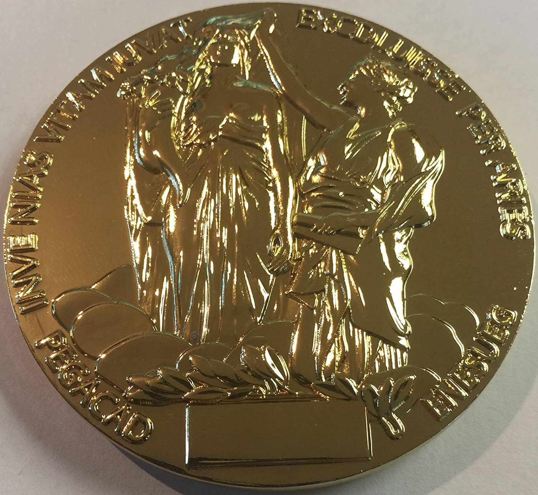 Amazon.com: El Premio Nobel Medalla de souvenir en Física o ...