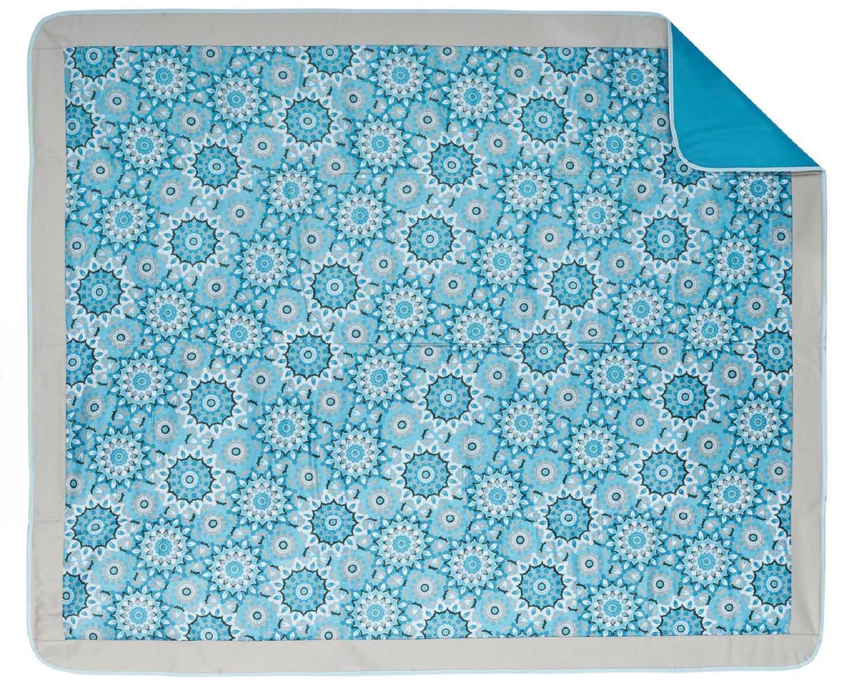 Lightspeed Outdoors Waterproof Folding Outdoor Blanket (Kaleidoscope Blue) by Lightspeed Outdoors