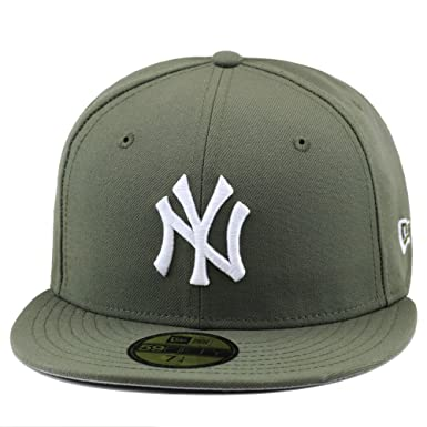aa17c85b5f Amazon.com  New Era New York Yankees Fitted Hat Cap Olive Green ...
