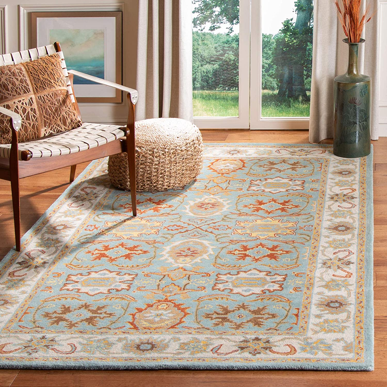 Amazon Com Safavieh Heritage Collection Hg734a Handmade Traditional Oriental Premium Wool Area Rug 7 6 X 9 6 Light Blue Ivory Furniture Decor