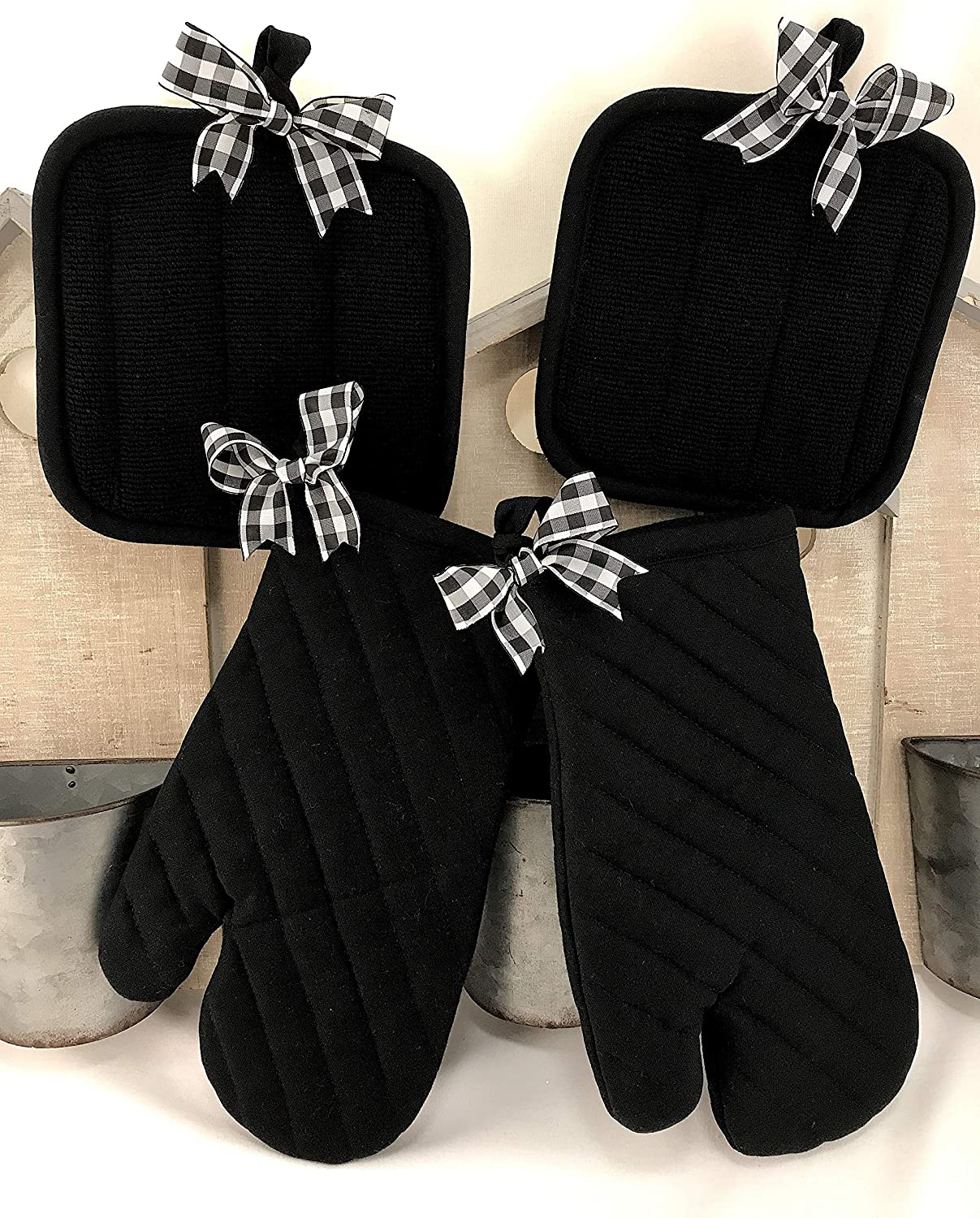 Buffalo Check Plaid Pot Holders 8 inch Black & White Oven Mitts 12.5 inch (Set of 4)