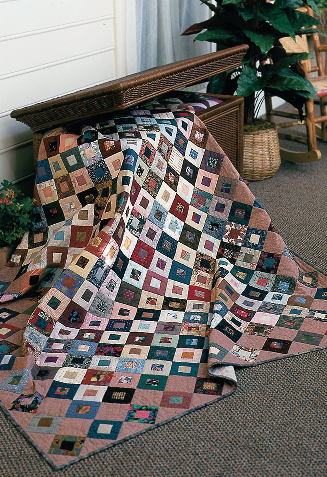 Easy Quilts for Beginners and Beyond: 14 Quilt Patterns from Quiltmaker Magazine by That Patchwork Place (Image #10)