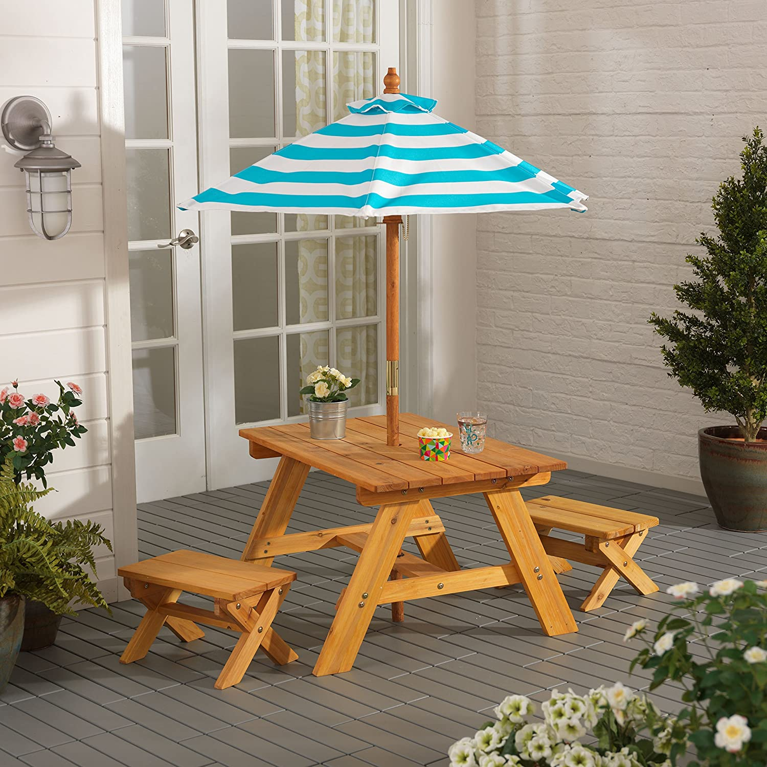 KidKraft Outdoor Table with Benches and Umbrella 00506