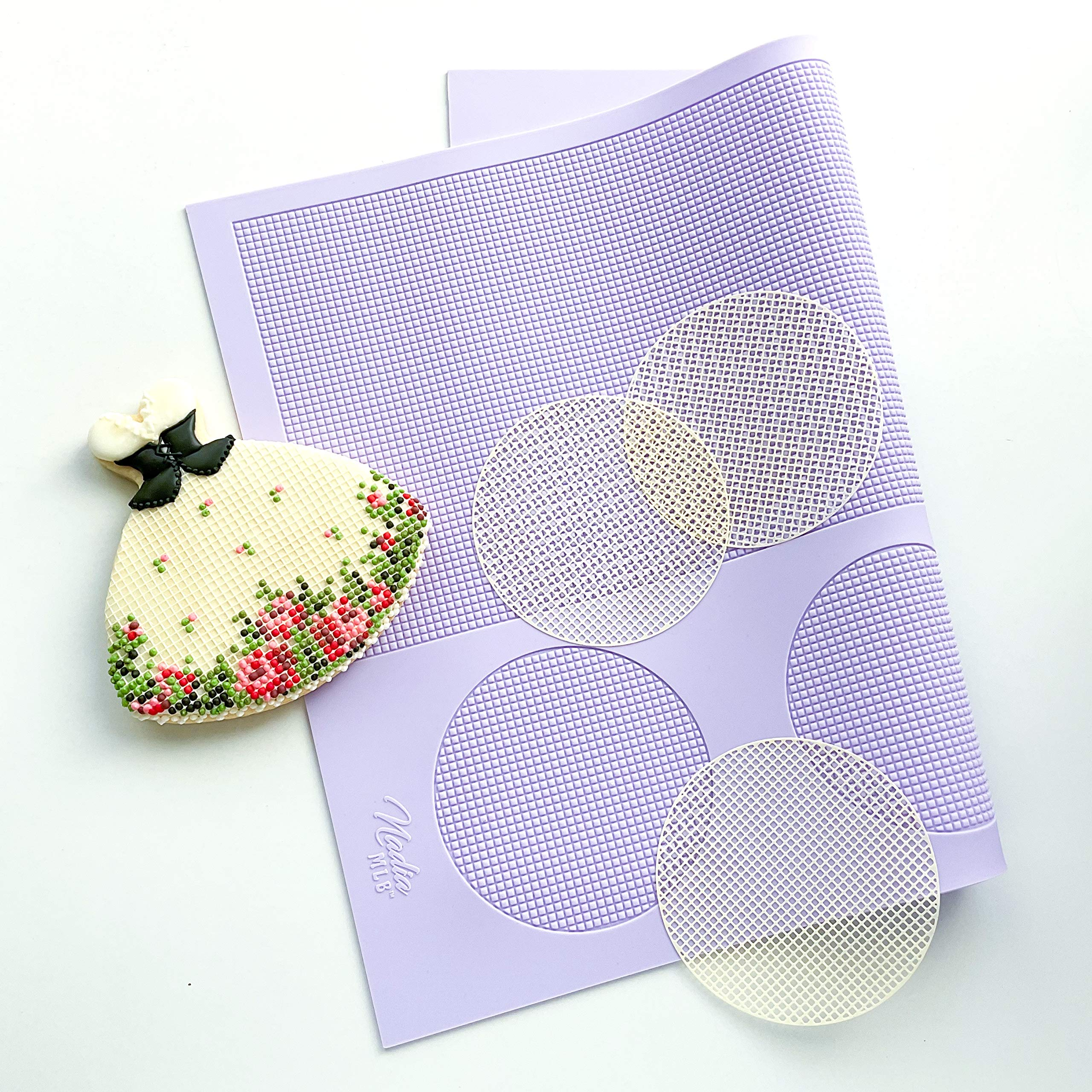 Grid silicone mat for cookie and cake decorating