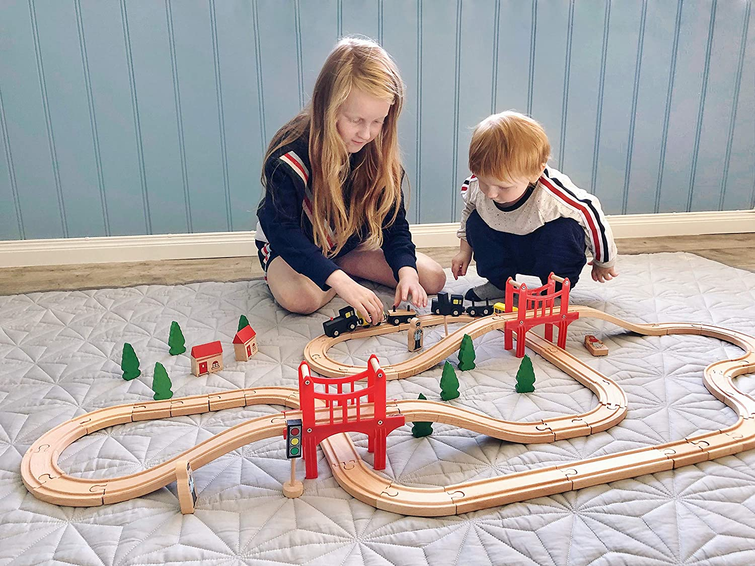 Magnetic Connection Battery Operated Action Locomotive Train Powerful Engine Bullet Train Set Fits Thomas Brio Chuggington Wooden Train and Tracks Toys Car for Toddlers