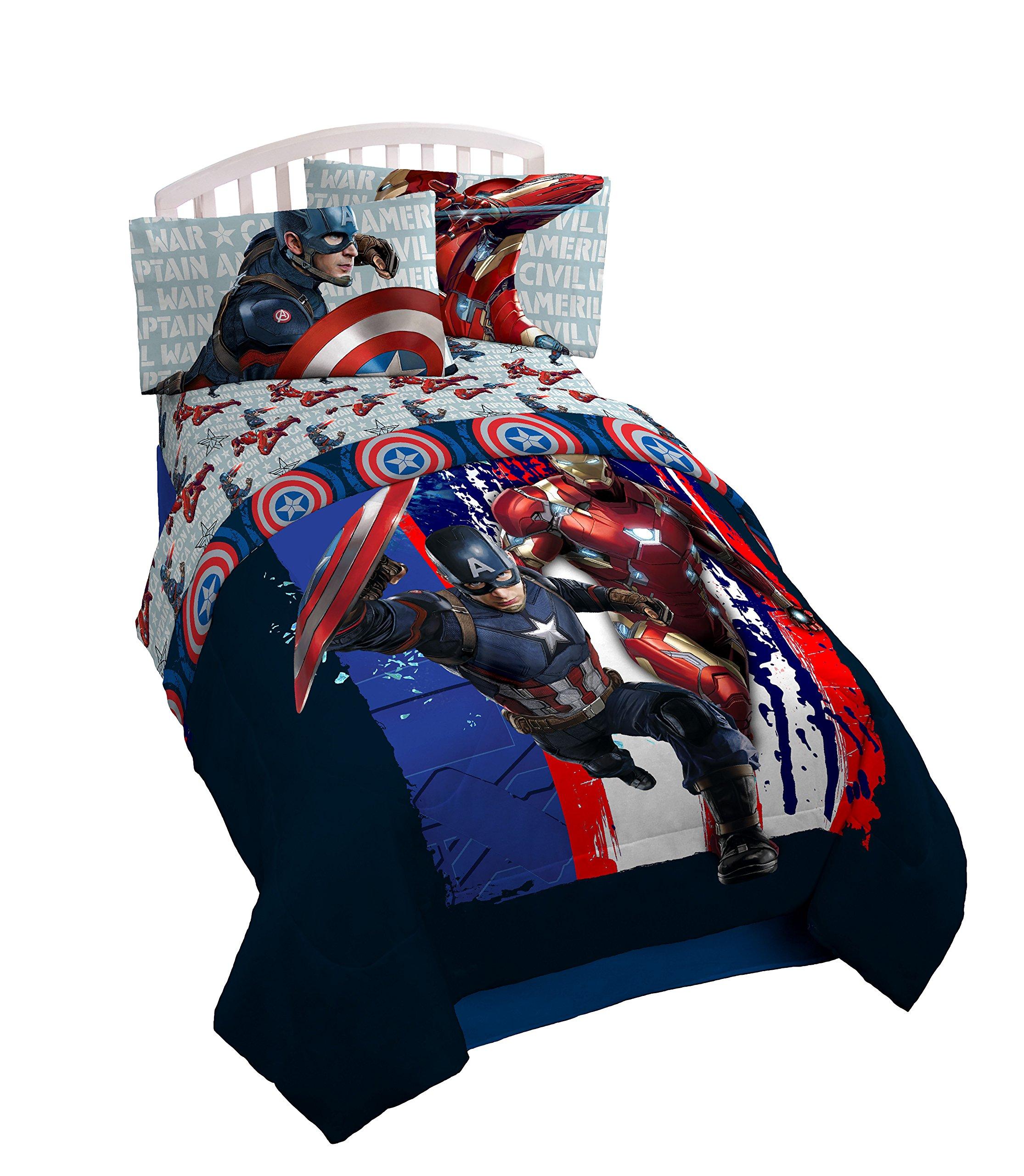 Marvel Captain America Civil War Lightning Reversible 64'' x 86'' Twin Reversible Comforter