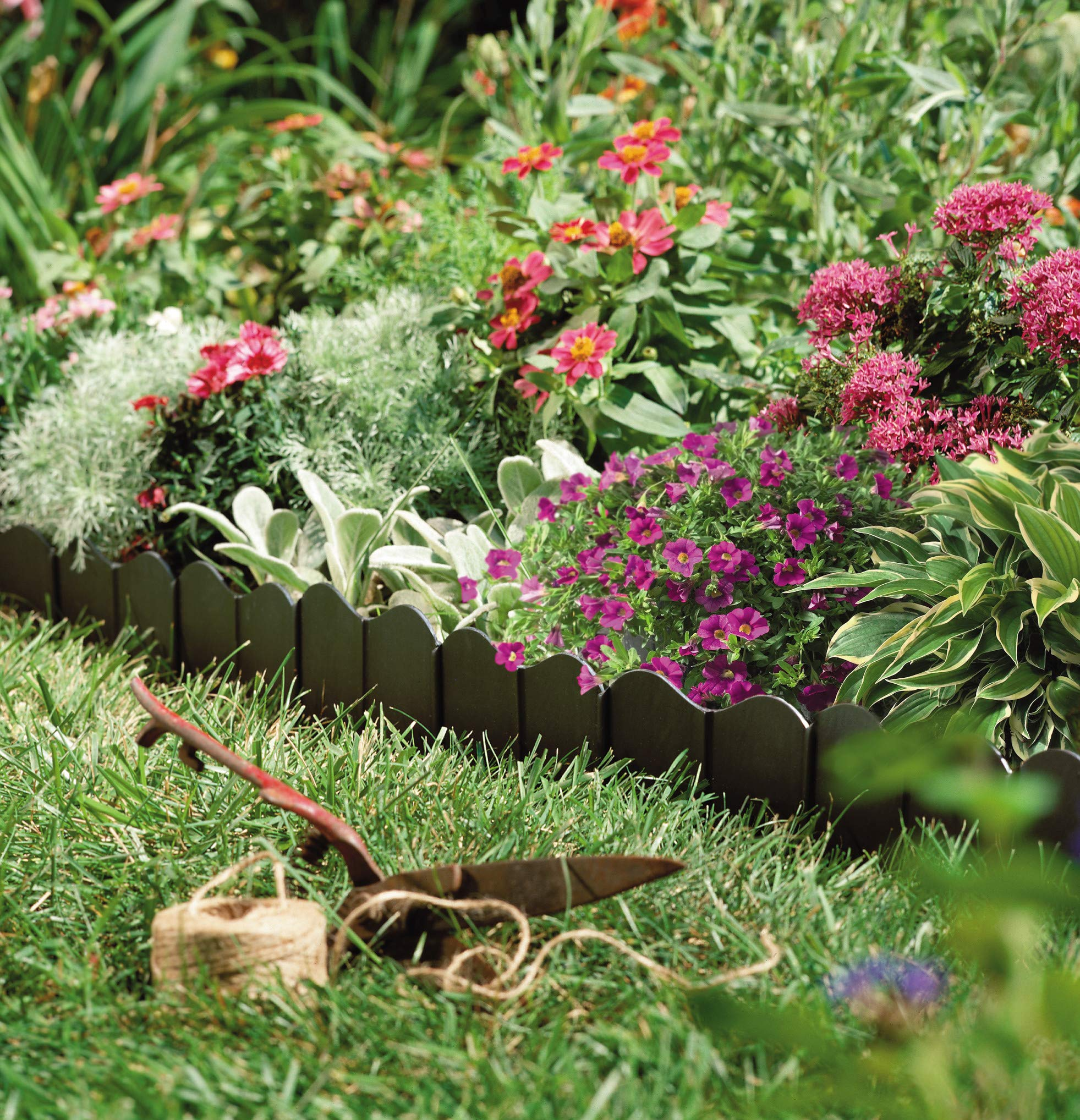 7 Best Lawn Edging Of 2021 Reviews Buyer S Guide