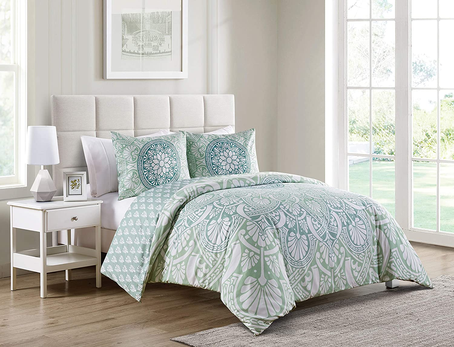 VCNY Home Taconic Collection Duvet Cover Set- Soft and Modern Lightweight Bedspread Coverlet for Home Décor, Machine Washable, Queen, Blue/White