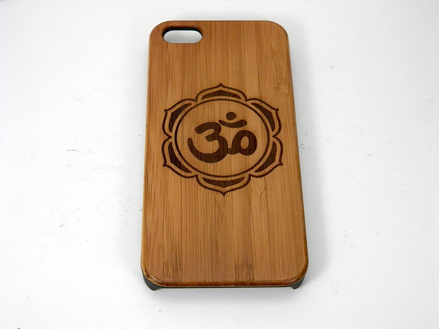 Amazon om lotus flower iphone 5 iphone 5s or iphone se case amazon om lotus flower iphone 5 iphone 5s or iphone se casecover by imakethecase eco friendly bamboo wood cover skin yoga chakra zen hindu izmirmasajfo