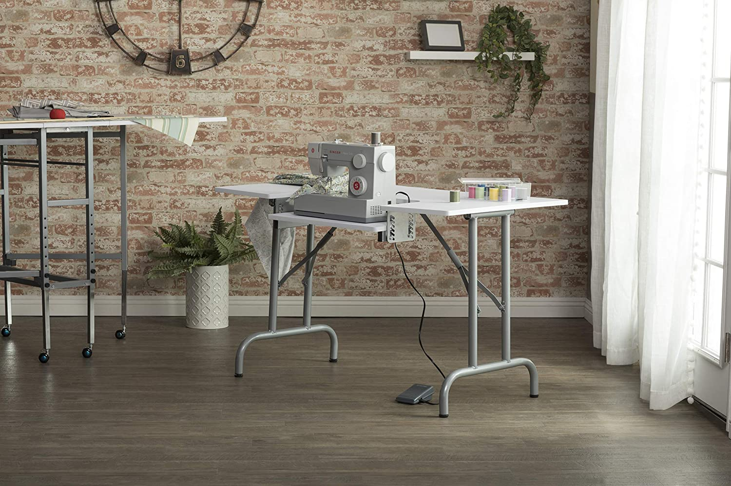 5 Dainty Sewing Table Ideas
