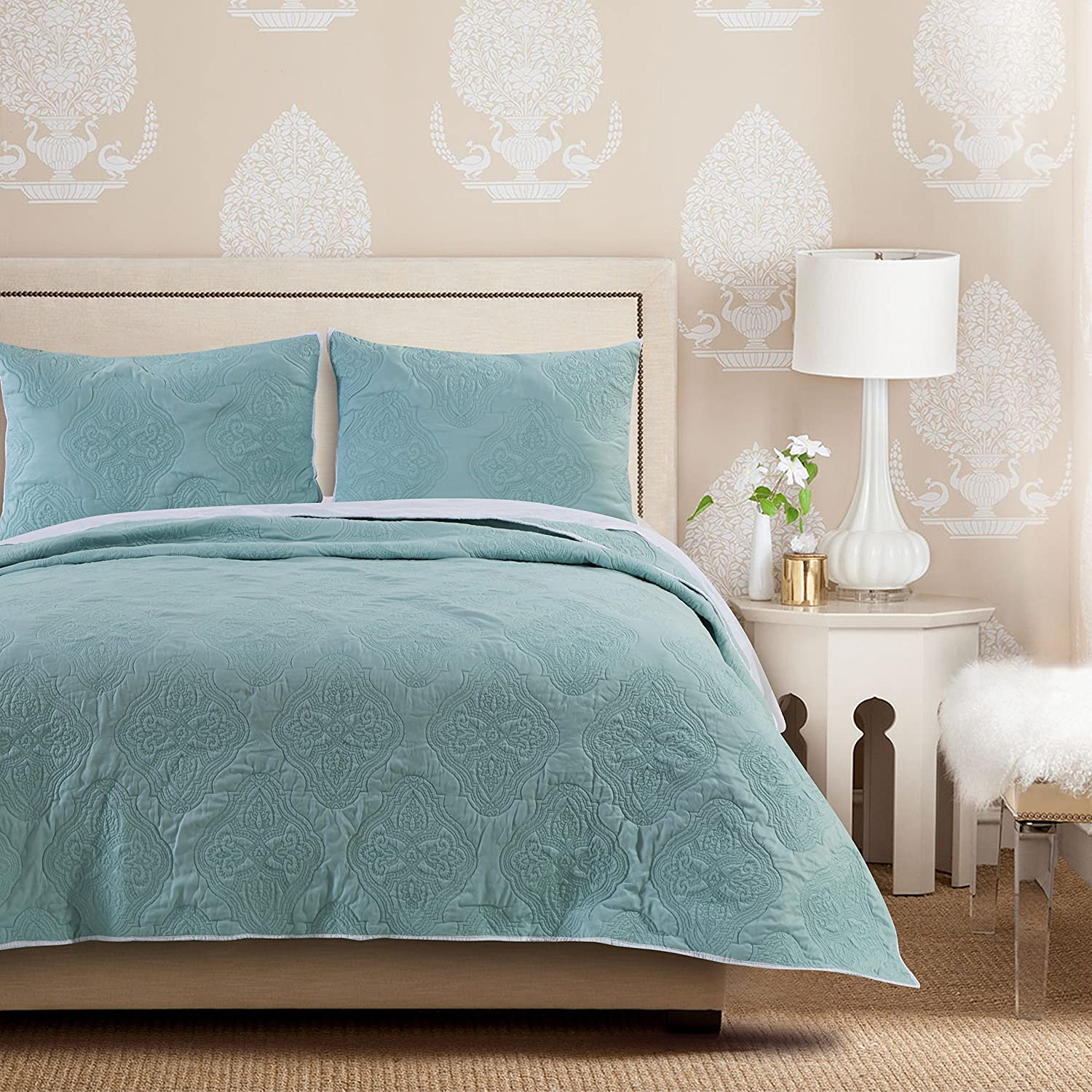 Barefoot Bungalow Cameo Aqua Haze Quilt Set, 3-Piece King Greenland Home Fashions GL-1612FMSK
