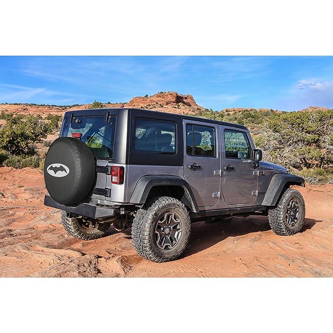 Jeep Wrangler - Batman cubierta de la rueda de repuesto - Plata Caballero Oscuro Logo - fabricado en los Estados Unidos: Amazon.es: Coche y moto