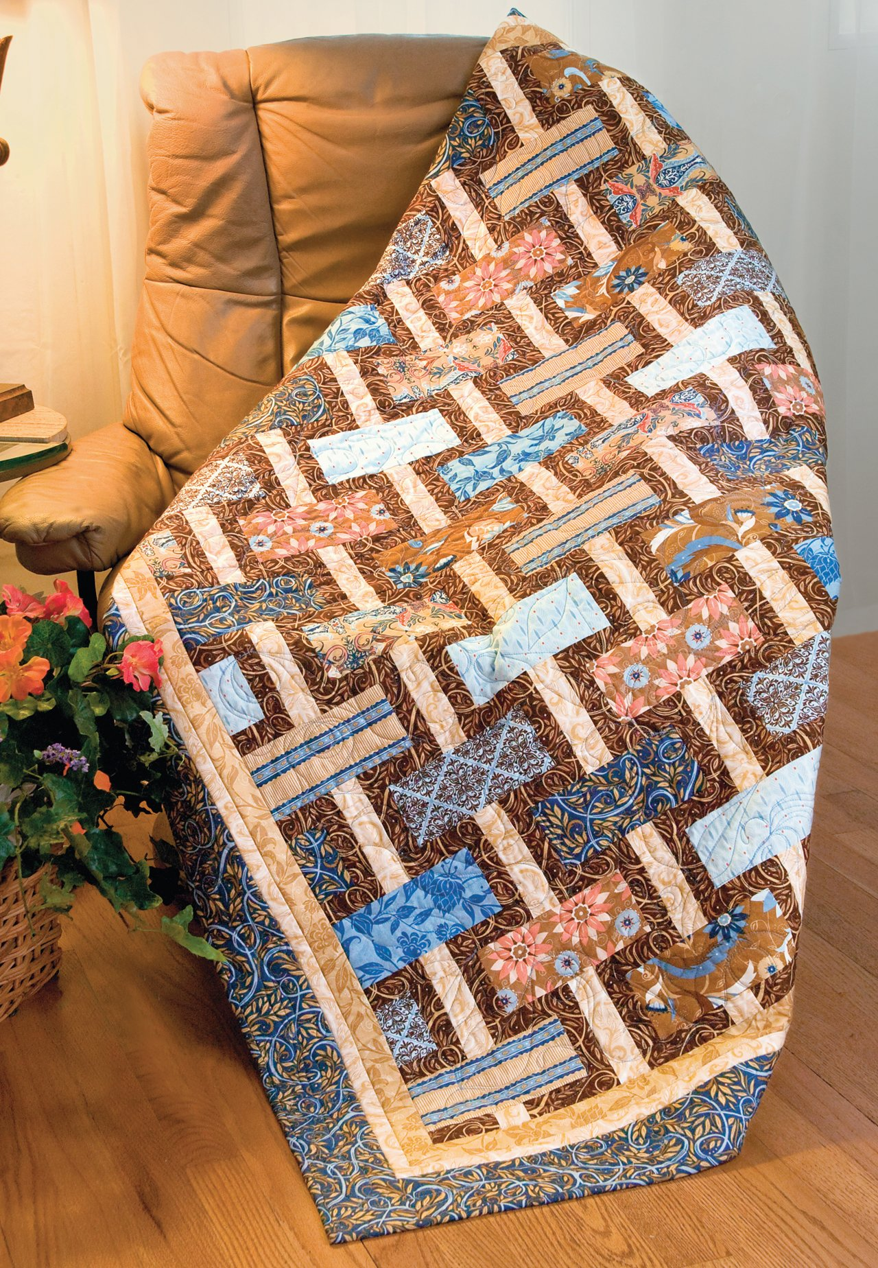 Easy Quilts for Beginners and Beyond: 14 Quilt Patterns from Quiltmaker Magazine by That Patchwork Place (Image #17)