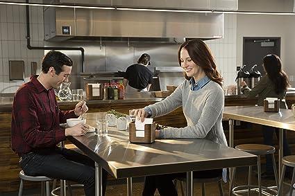 Tork Xpressnap Snack 273003 Dispensador de servilletas/Ideal para restaurantes de servicio limitado/Sistema N10 / Color madera: Amazon.es: Industria, ...