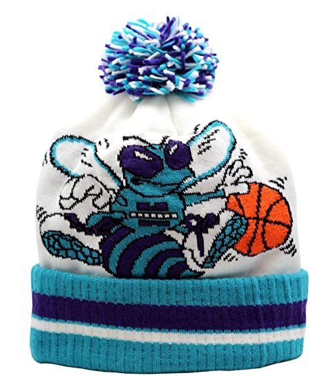 3de83711851 Amazon.com   adidas Charlotte Hornets Knit Hat with Pom   Sports ...