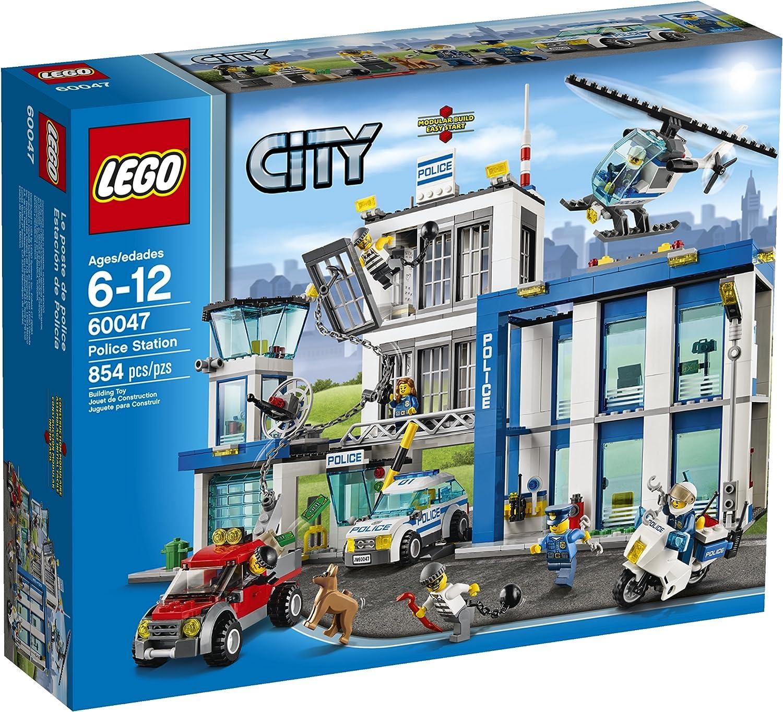 Amazon Com Lego City Police 60047 Police Station Toys Games