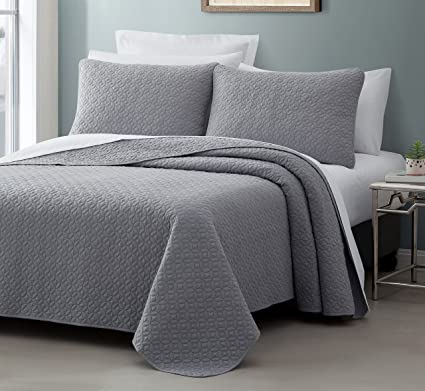 Amazoncom Titan Prewashed 3 Piece Quilted Quilt Coverlet Bed