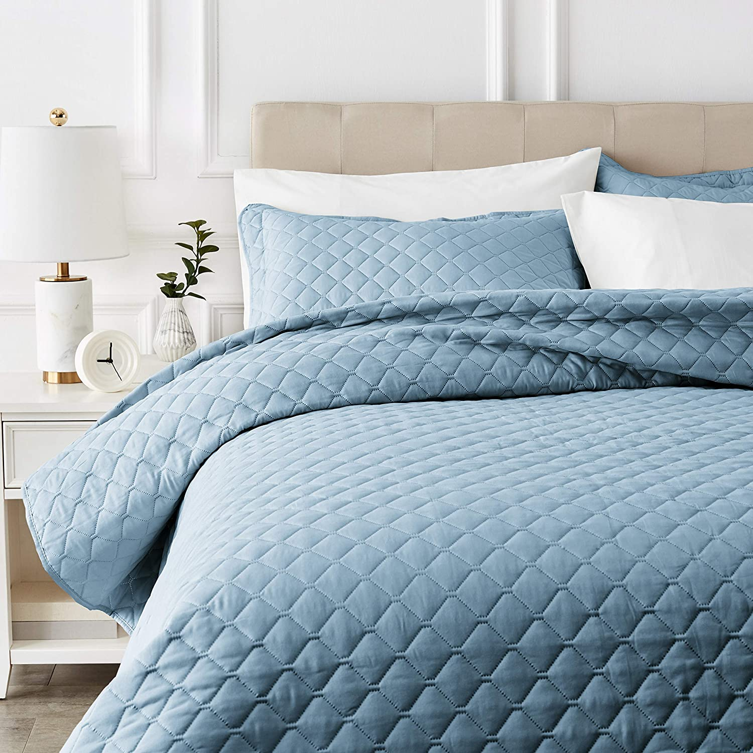 AmazonBasics Oversized Embossed Coverlet - King, Spa Blue Diamond