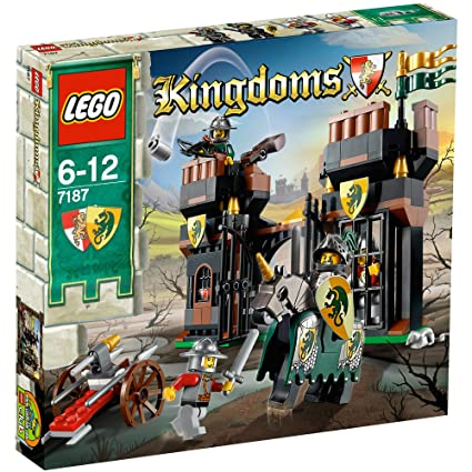 Amazoncom Lego Castle Escape From Dragons Prison 7187 Toys Games
