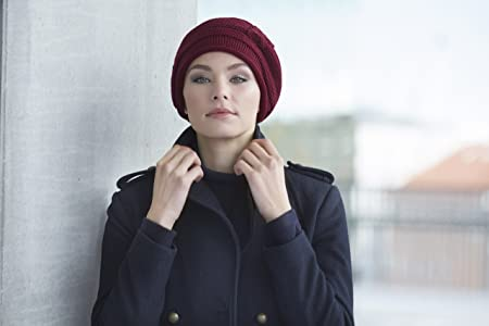Gorro de invierno rojo oscuro con punto acrílico Evie para mujeres con  alopecia  Amazon.es  Deportes y aire libre a0621f4bf28