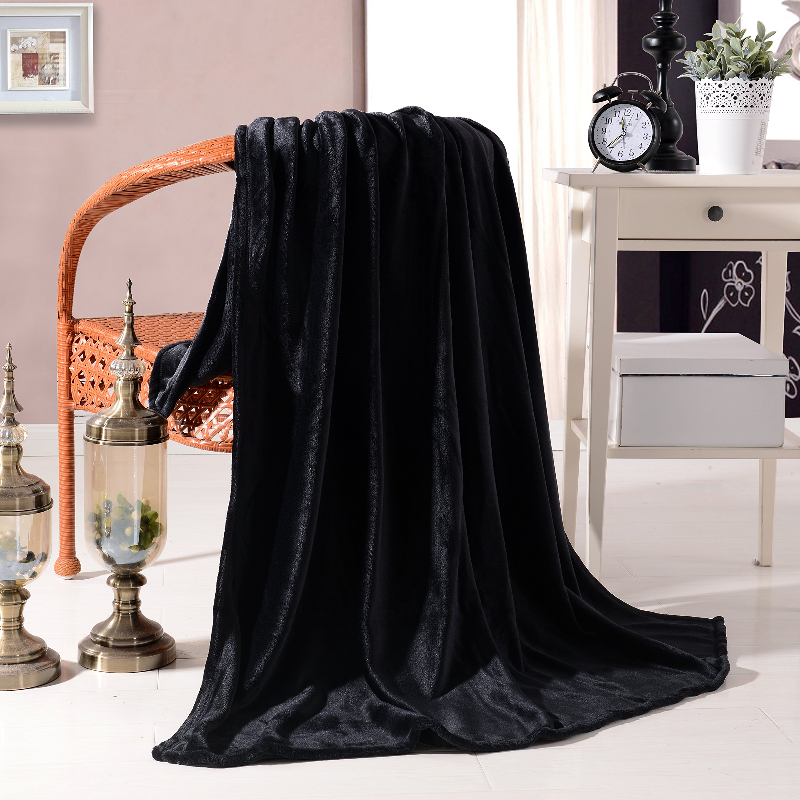 Exclusivo Mezcla Luxury Flannel Velvet Plush Throw Blanket – 50'' x 60'' (Black) by Exclusivo Mezcla