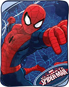 Jay Franco Astonish Plush Throw, Medium Blanket, Spiderman Ultimate