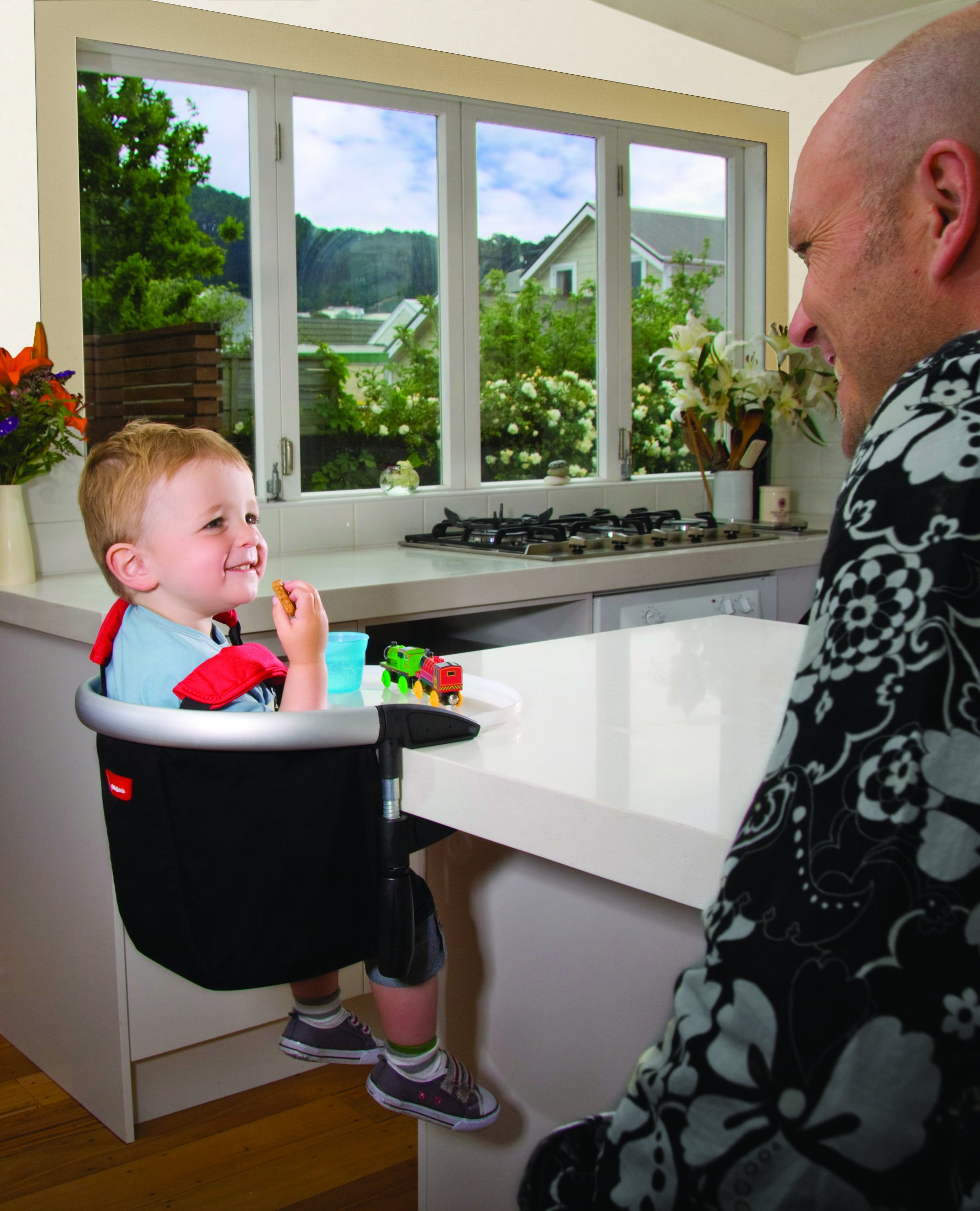 phil&teds Lobster Clip-On Highchair, Black - Award Winning Portable High Chair - Includes Carry Bag and Dishwasher Safe Tray - Hygienic and Easy Clean - Safe and Secure - Ideal For Home and Travel by phil&teds (Image #9)