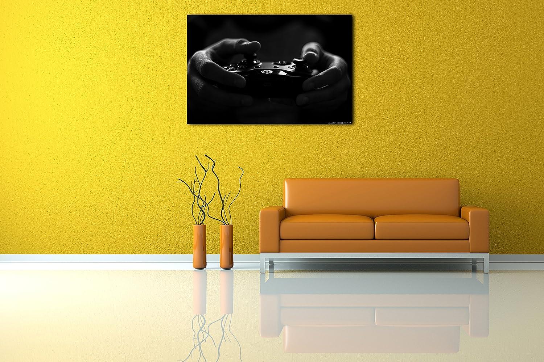 Printed Paintings Leinwand (120x80cm) Game-Controller  Gamer hält Game-Controller (120x80cm) in Hand Schwarz-weiß Foto Wand- b519b4