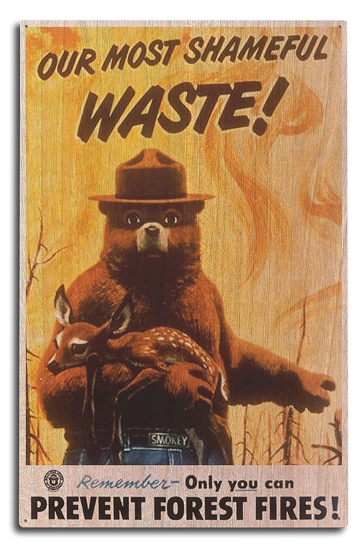 Smokey Bear – Our最もShameful Waste – ヴィンテージポスター 10 x 15 Wood Sign LANT-79802-10x15W B0736778FF  10 x 15 Wood Sign