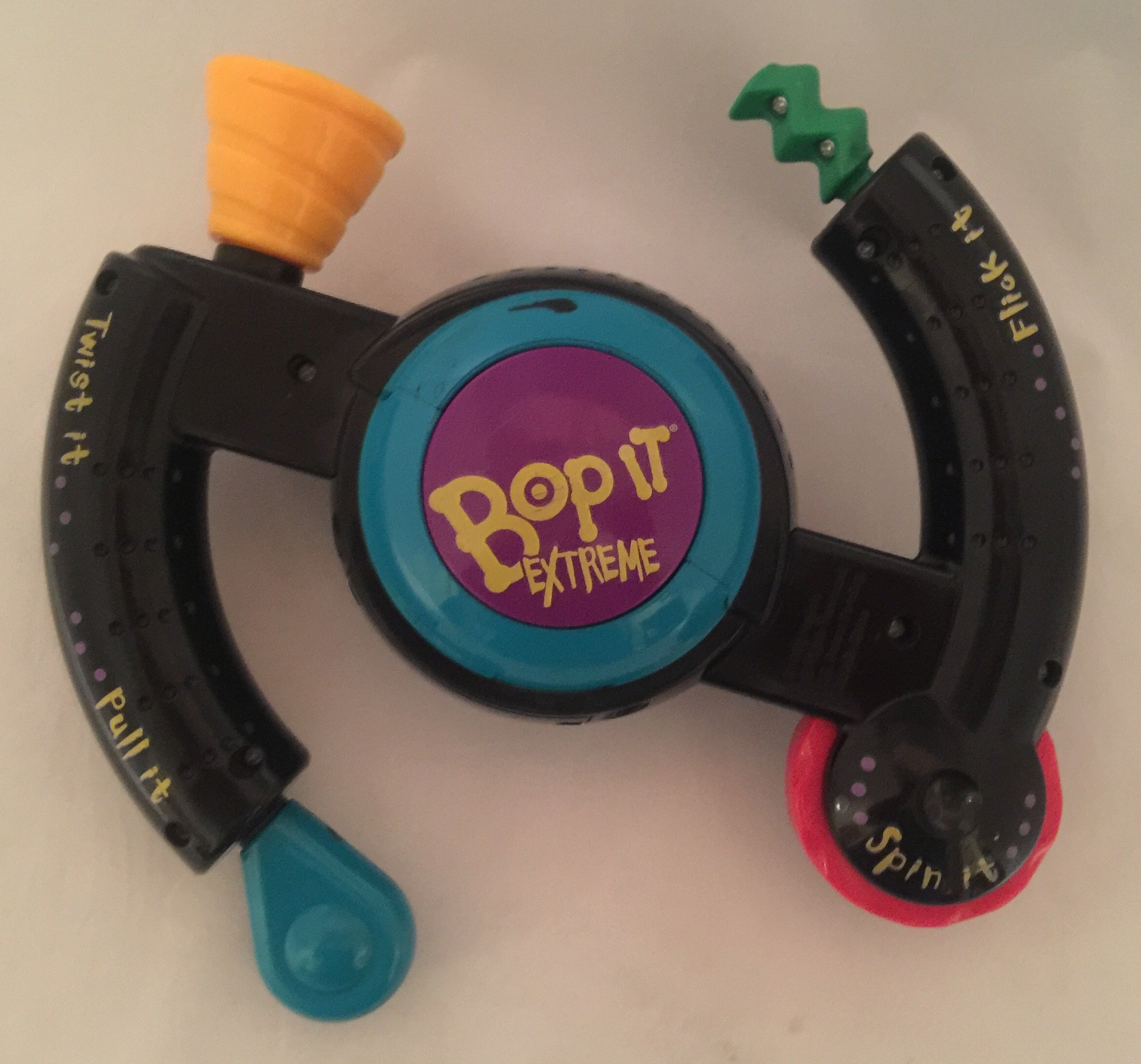 Bop It Extreme by Milton Bradley
