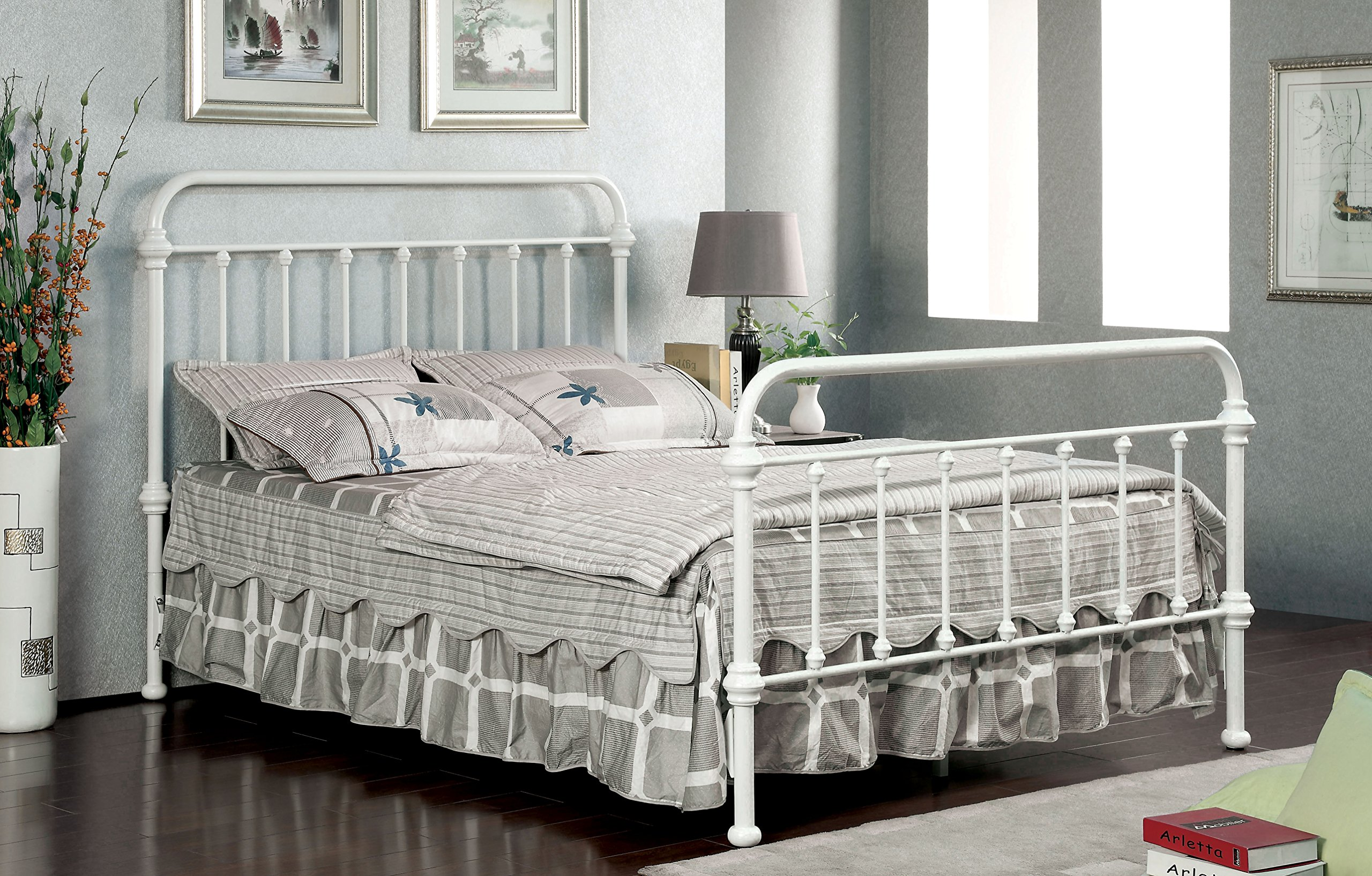 Furniture of America Overtown Metal Bed, Full, Vintage White