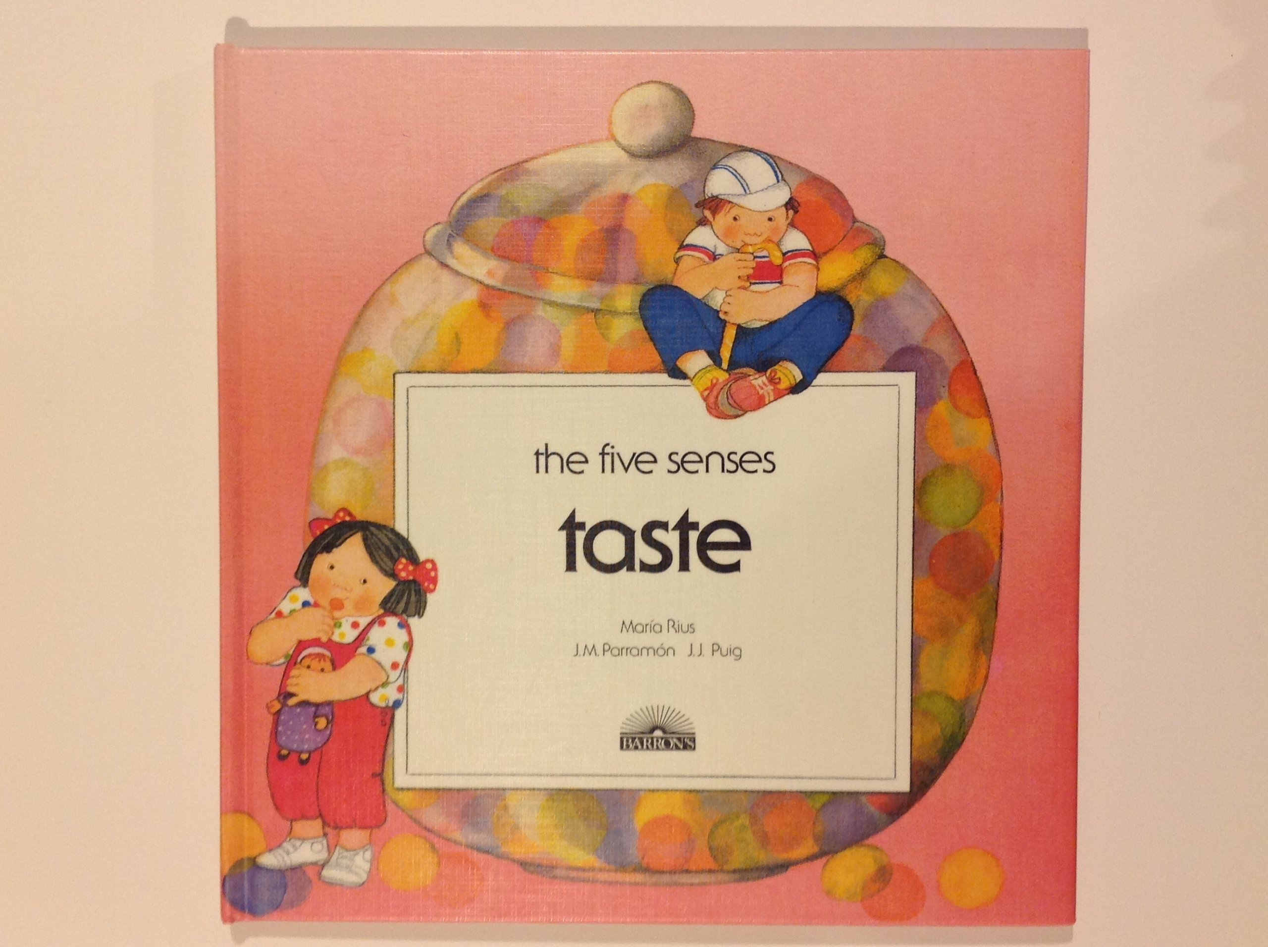 Taste (Five Senses) (English and Spanish Edition)