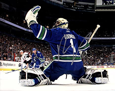Roberto Luongo Hand Signed Autographed Vancouver Canucks 8x10 Photo