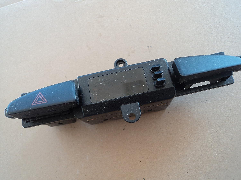 Kia Optima: Hazard warning flasher