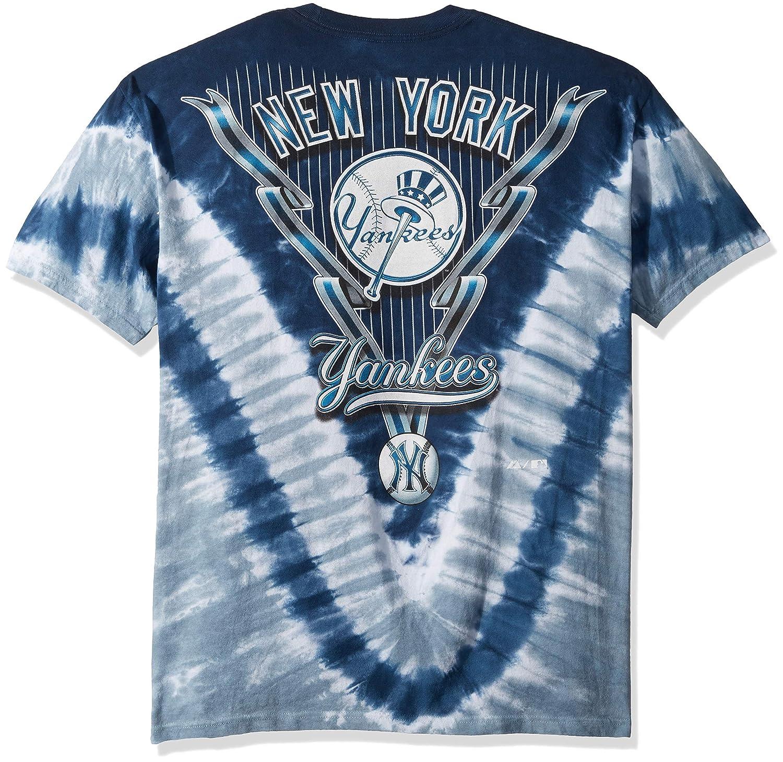 0dc42eaf8 Amazon.com  Liquid Blue Men s Yankees V T-Shirt  Clothing