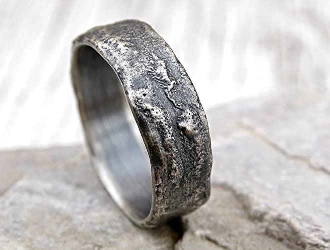 Amazoncom molten silver ring rich structure mens wedding ring