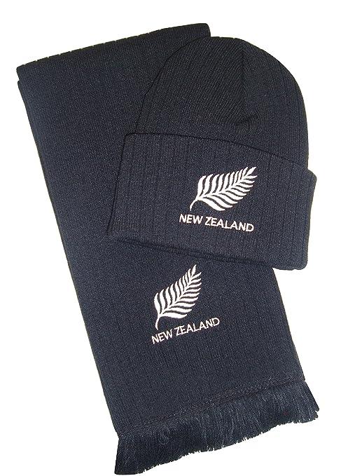 Cappello e sciarpa ricamati con logo in lingua inglese della squadra di  rugby della Nuova Zelanda 2bebd814c4b4
