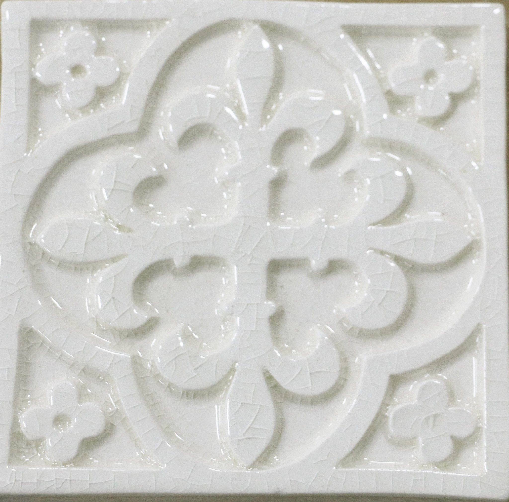 Waterworks Archive Decorative Field Tile 4 x 4 in Off White Glossy Crackle