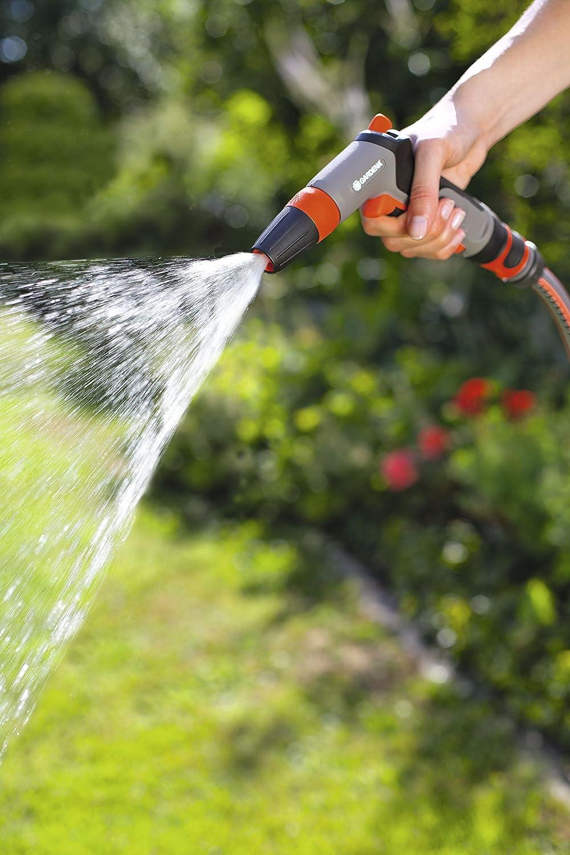 18301-50 GARDENA Classic Reinigungsspritze: Wasserspritze zum Reinigen und Bespr/ühen mit Impulsausl/öser und Dauerarretierung Frostschutz