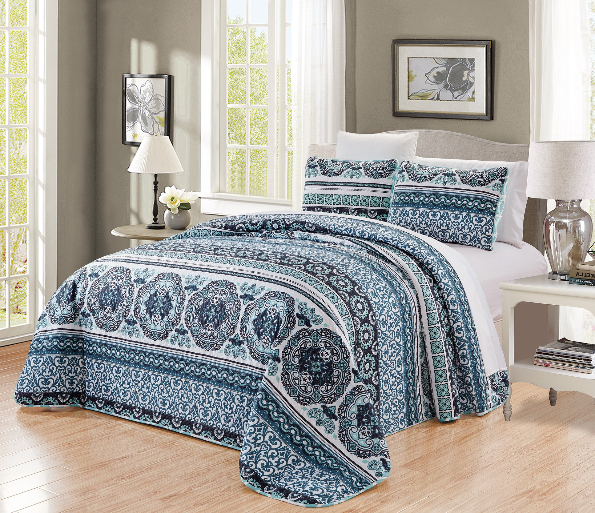 GrandLinen 3-Piece Fine Printed Oversize (115'' X 95'') Quilt Set Reversible Bedspread Coverlet King Size Bed Cover (Navy, Aqua, Blue, Black Scroll)