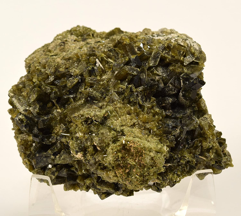 a Epidote Crystal 23 Grams Small Size Excellent High Quality Crystals Mineral Specimen Dark Green Gemmy Epidote Specimen from Peru