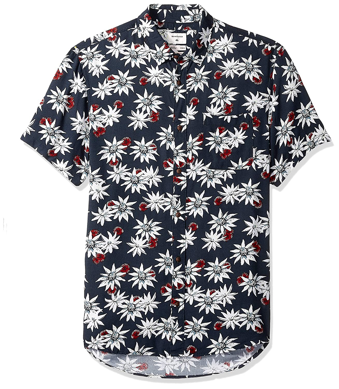ca5f03580c422 Amazon.com  Quiksilver Men s Fluid Geometric Short Sleeve  Clothing