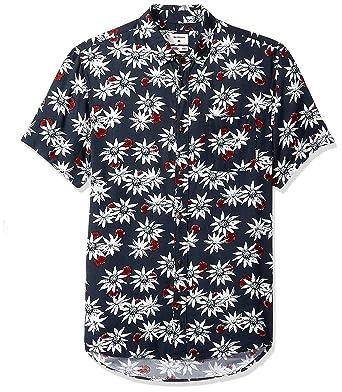 44b7acabaa8e67 Amazon.com  Quiksilver Men s Fluid Geometric Short Sleeve  Clothing