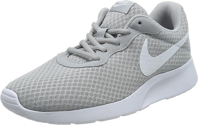 Nike Tanjun Sneakers Laufschuhe Herren Grau mit weißem Streifen