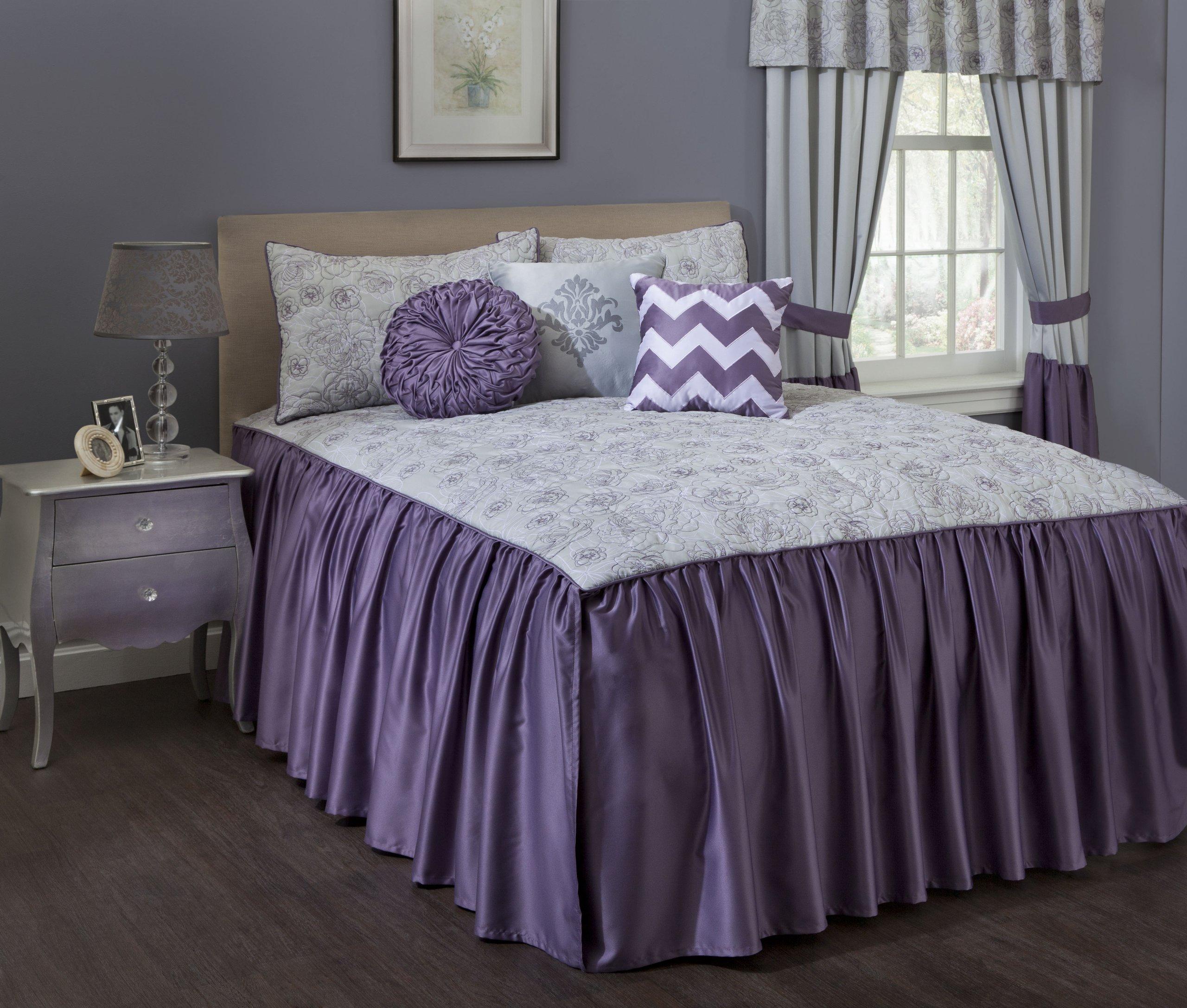 Present Living Home Sarabeth Bedspread, King
