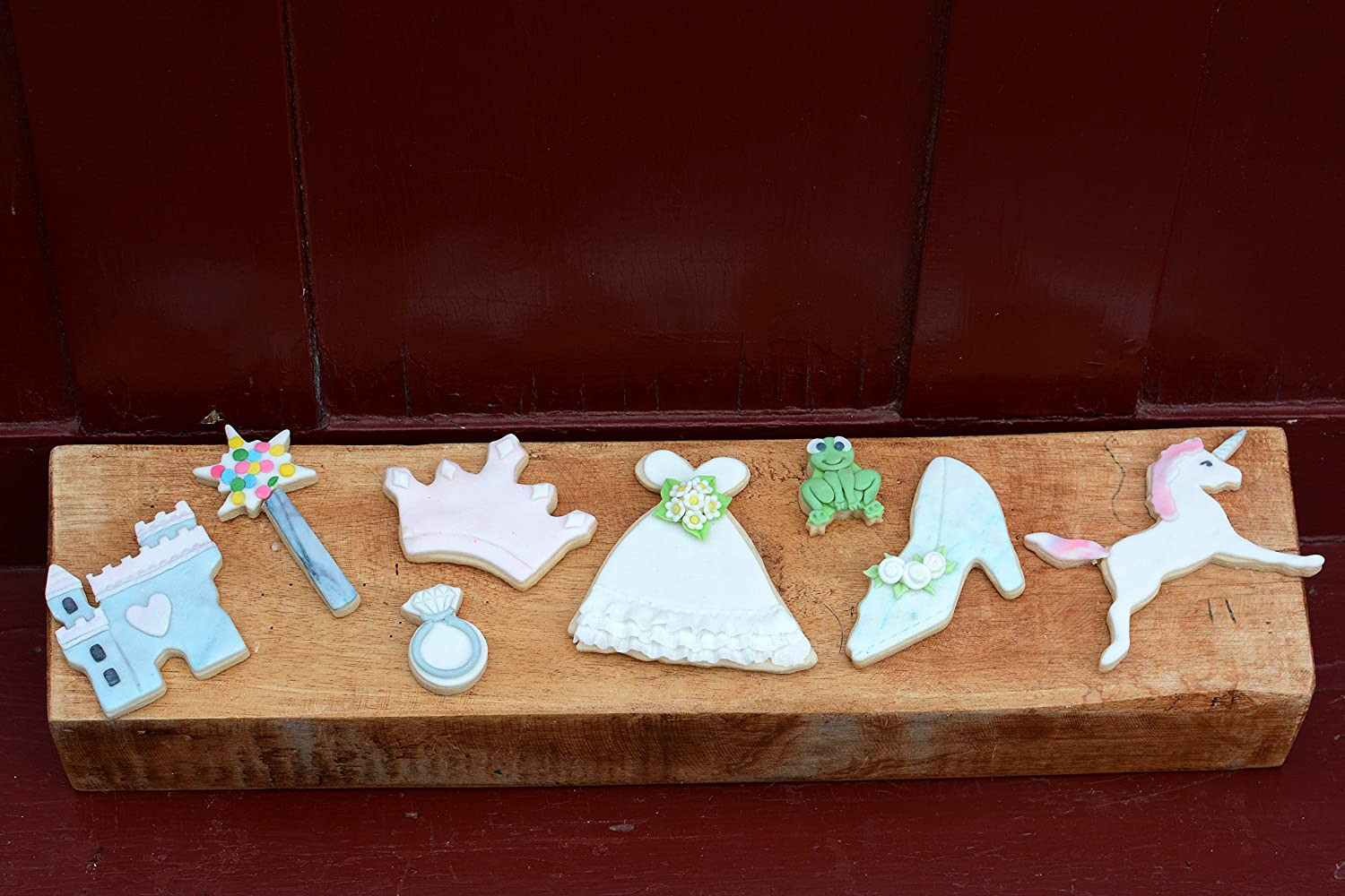 Slipper Gown Frog Wand Ring R/&M International X0119 Little Princess Cookie Cutters 8-Piece Set Unicorn Crown