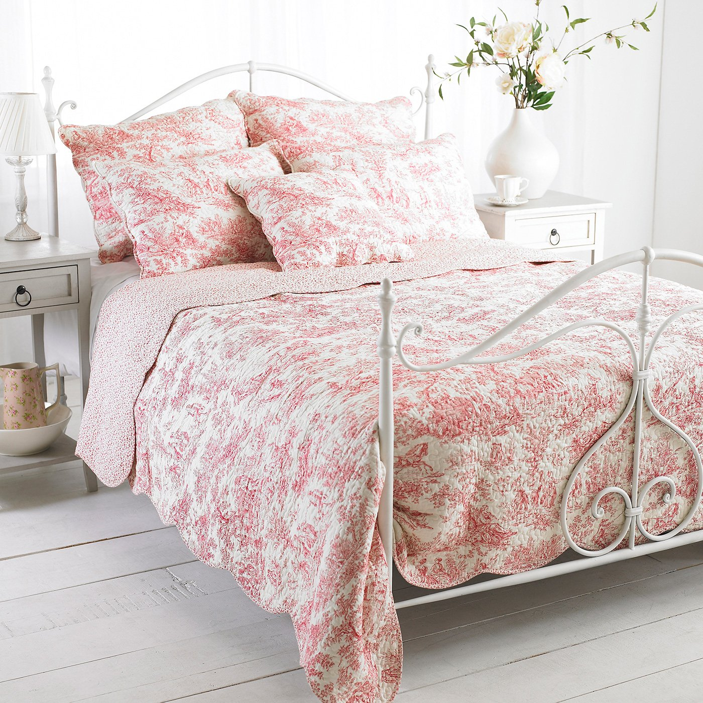 Superbe Amazon.com: Riva Home Canterbury Tales Bedspread (Twin) (Pink): Home U0026  Kitchen