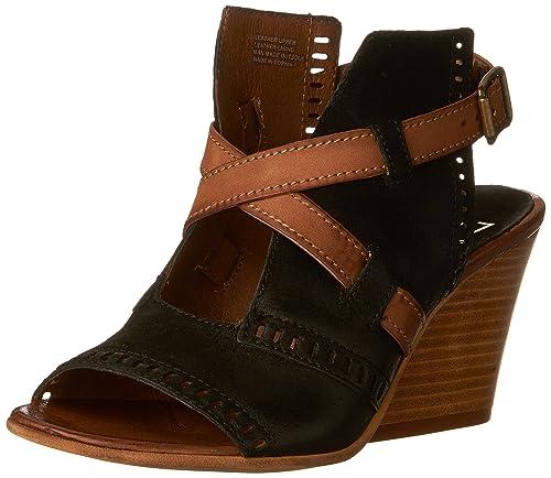 5e53bfdf2f80 Miz Mooz Women s Kipling Heeled Sandal Black  Amazon.co.uk  Shoes   Bags