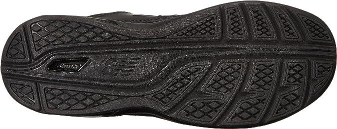 813 V1 Lace-up Walking Shoe